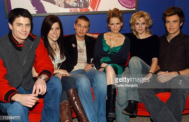 James Lafferty Sophia Bush Chad Michael Murray Bethany Joy Lenz Hilarie Burton and Tyler Hilton of 'One Tree Hill'