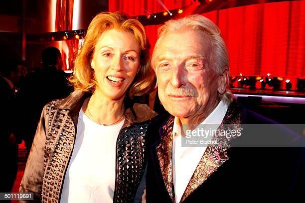 James Last Ehefrau Christine 6 GalaVerleihung Lea Award 2011 als Auftakt zur Musikmesse Festhalle Frankfurt Hessen Deutschland Europa Bandleader...