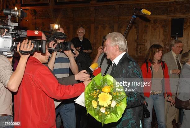 James Last Interview Verleihung zum 80 Geburtstag der Medaille für Kunst und Wissenschaft der Freien Hansestadt Bremen Rathaus Obere Rathaushalle...