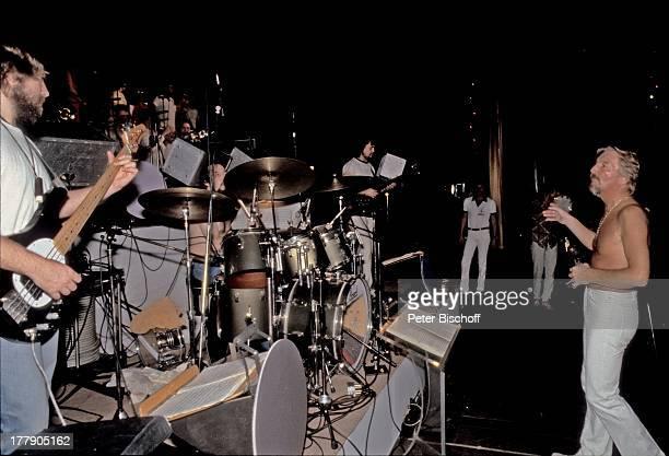 James Last Musiker James LastBand Nationaltheater Singapur OstAsienTournee und nachträgliche Silberhochzeitsreise Singapore Asien Proben Bühne...