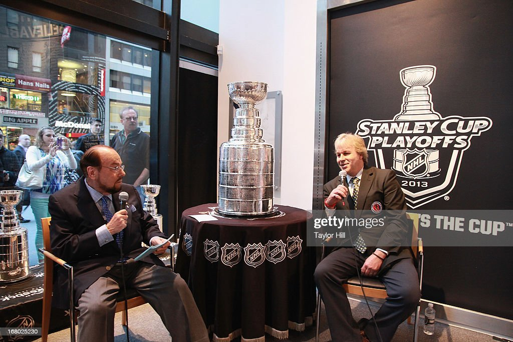 James Lipton And Stanley Cup In Store Event : News Photo