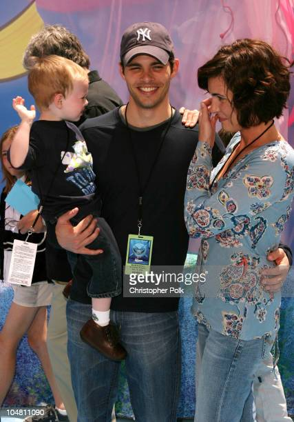 James Marsden wife Lisa Linde and son during Finding Nemo Premiere at El Capitan Theater in Hollywood CA United States