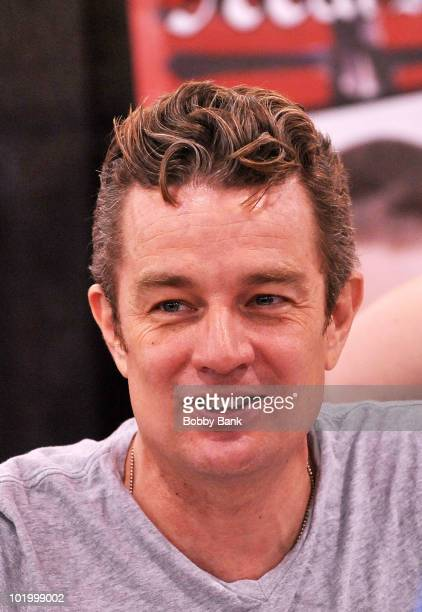 James Marsters attends the 2010 Wizard World Convention at the Pennsylvania Convention Center on June 11 2010 in Philadelphia Pennsylvania
