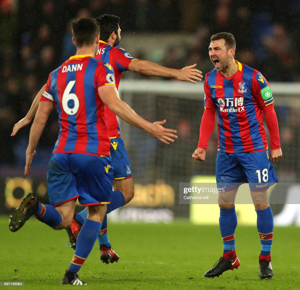 James McArthur of Crystal Palace celebrates after scoring his sides second goal with teammates during the Premier League match between Crystal Palace and Watford at Selhurst Park on December 12, 2017 in London, England.