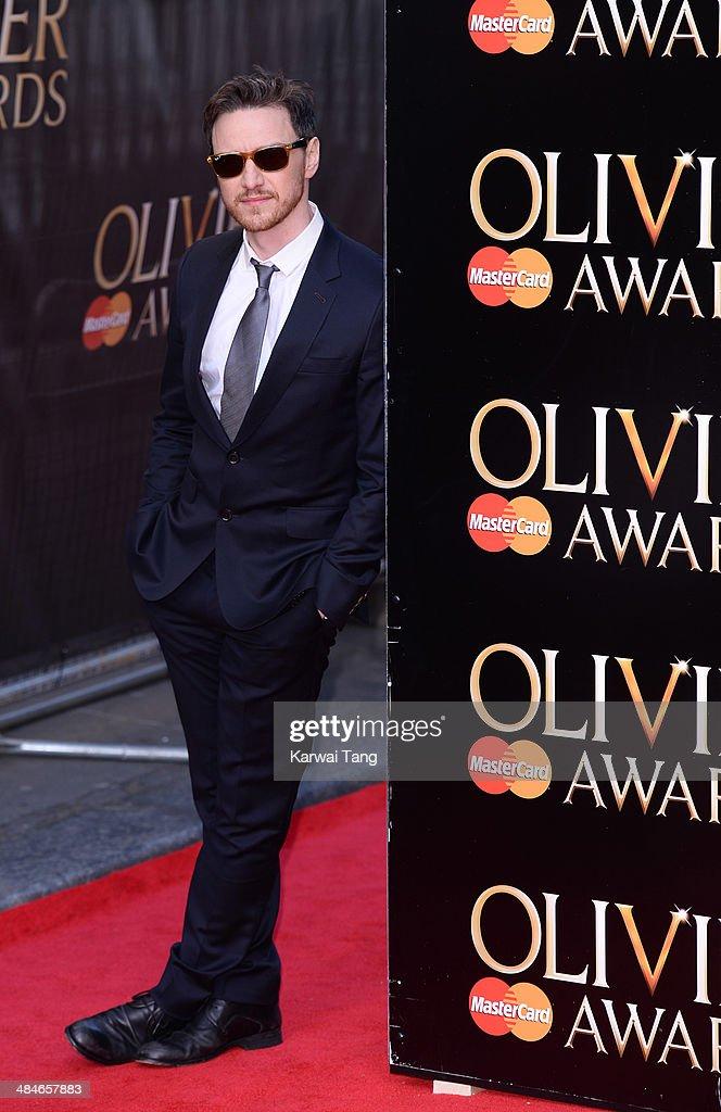Laurence Olivier Awards - Red Carpet Arrivals : News Photo