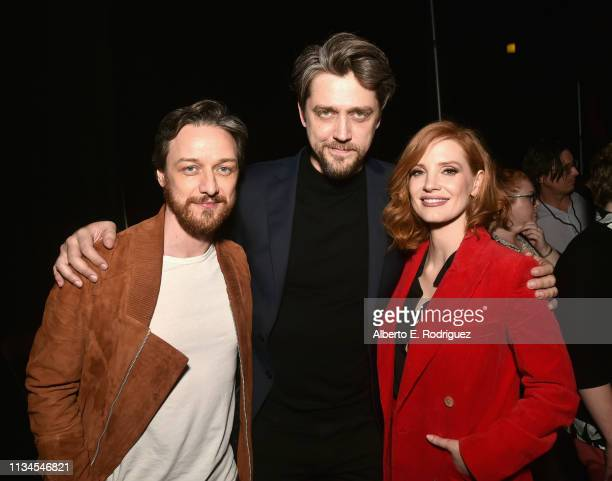 "James McAvoy director Andy Muschietti and Jessica Chastain pose backstage at CinemaCon 2019 Warner Bros Pictures Invites You to ""The Big Picture"" an..."