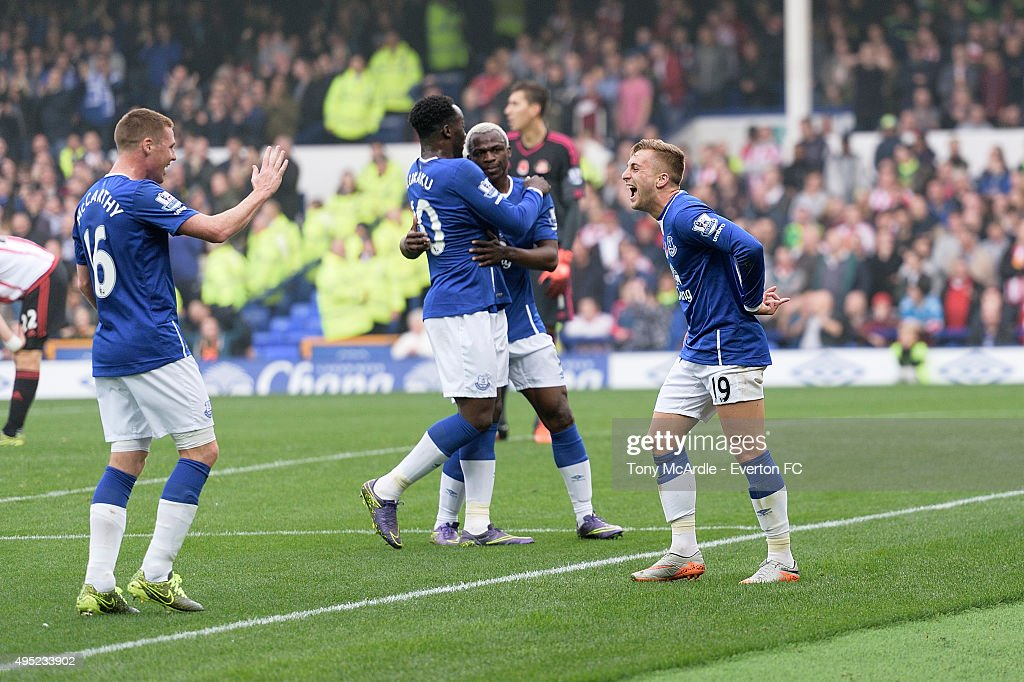 James McCarthy (L) celebrates with goal scorer Gerard Deulofeu during the Barclays Premier League match between Everton and Sunderland at Goodison Park on November 01, 2015 in Liverpool, England.