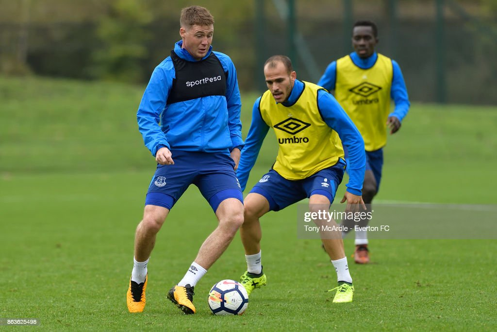 James McCarthy (L) Sandro Ramirez (C) and Idrissa Gueye (R) during the Everton training session at USM Finch Farm on October 20, 2017 in Halewood, England.