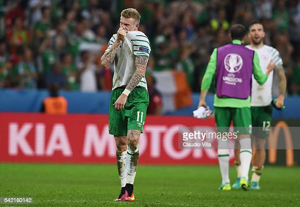 James McClean of Republic of Ireland applauds the supporters after his team's 10 win in the UEFA EURO 2016 Group E match between Italy and Republic...