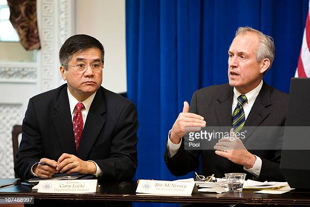 James McNerney Jr chairman president and chief executive officer of Boeing speaks as Gary Locke Secretary of Commerce listens during a meeting with...