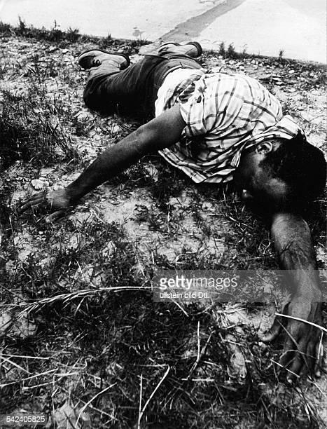 James MeredithBrgerrechtler USAwurde auf seinem Marsch gegen die Furcht von einem Rassenfanatiker angeschossen Juni 1966