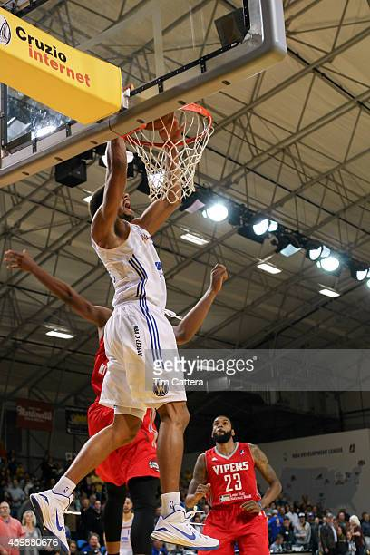 James Michael McAdoo of the Santa Cruz Warriors dunks the ball against the Rio Grande Valley Vipers on Nov 30 2014 at Kaiser Permanente Arena in...