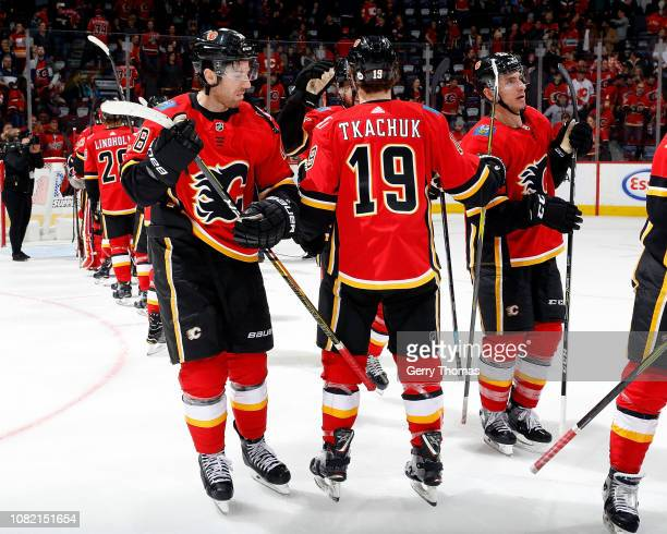 James Neal of the Calgary Flames and teammates celebrate their 71 win over the Arizona Coyotes after an NHL game on January 13 2019 at the Scotiabank...