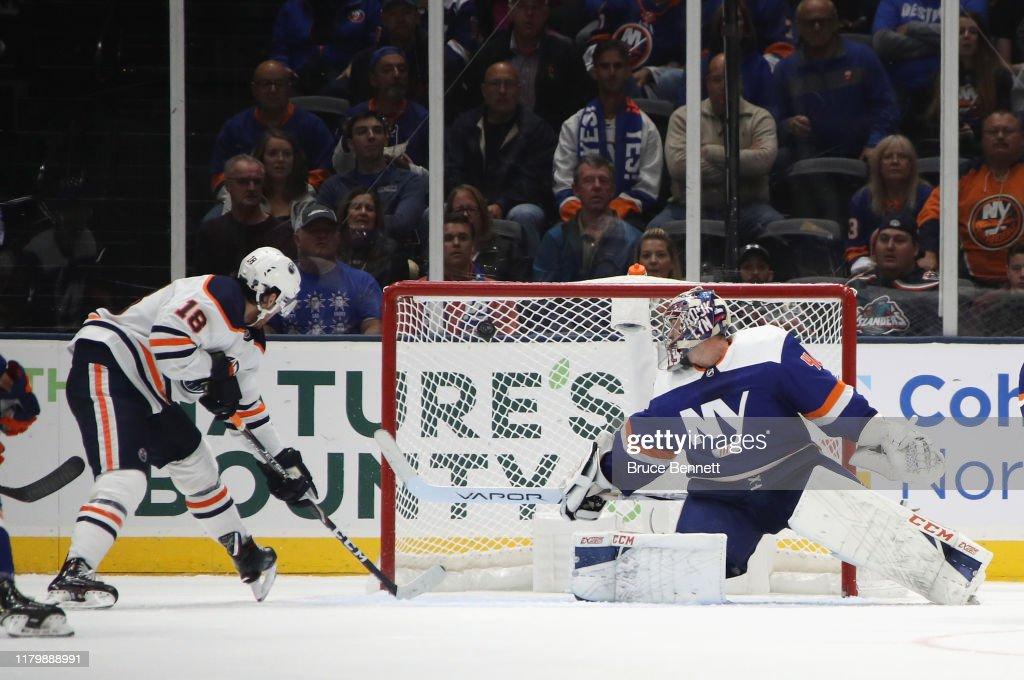 Edmonton Oilers v New York Islanders : News Photo
