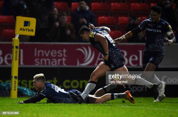 James OConnor of Sale Sharks scoring their third try during the Aviva Premiership match between Sale Sharks and Bath Rugby at AJ Bell Stadium on...