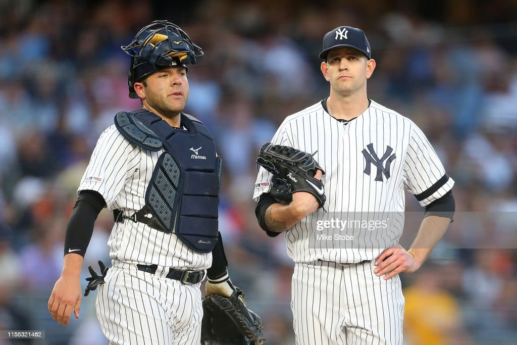 New York Mets v New York Yankees - Game Two : News Photo