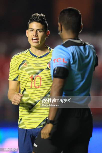 James Rodriguez of Colombia argues with Referee Alexis Herrera during the Copa America Brazil 2019 group B match between Colombia and Qatar at...