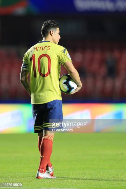 James Rodriguez of Colombia holds the ball during the Copa America Brazil 2019 group B match between Colombia and Qatar at Morumbi Stadium on June 19...