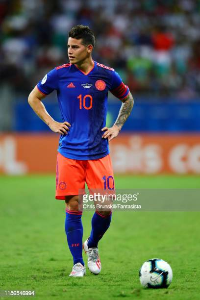James Rodriguez of Colombia prepares to take a free kick during the Copa America Brazil 2019 group B match between Argentina and Colombia at Arena...