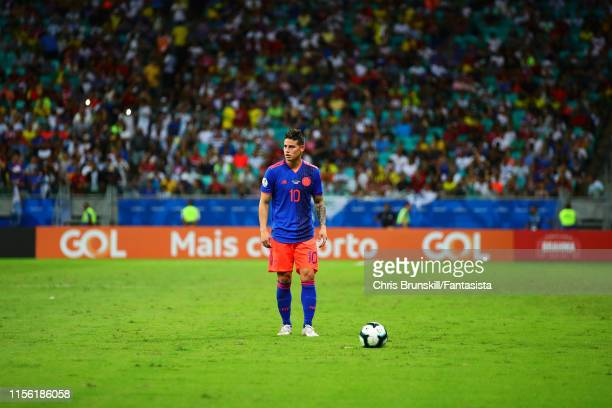 James Rodriguez of Colombia prepares to take a freekick during the Copa America Brazil 2019 group B match between Argentina and Colombia at Arena...