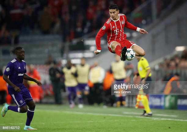 James Rodriguez of Muenchen controls the ball during the UEFA Champions League group B match between Bayern Muenchen and RSC Anderlecht at Allianz...