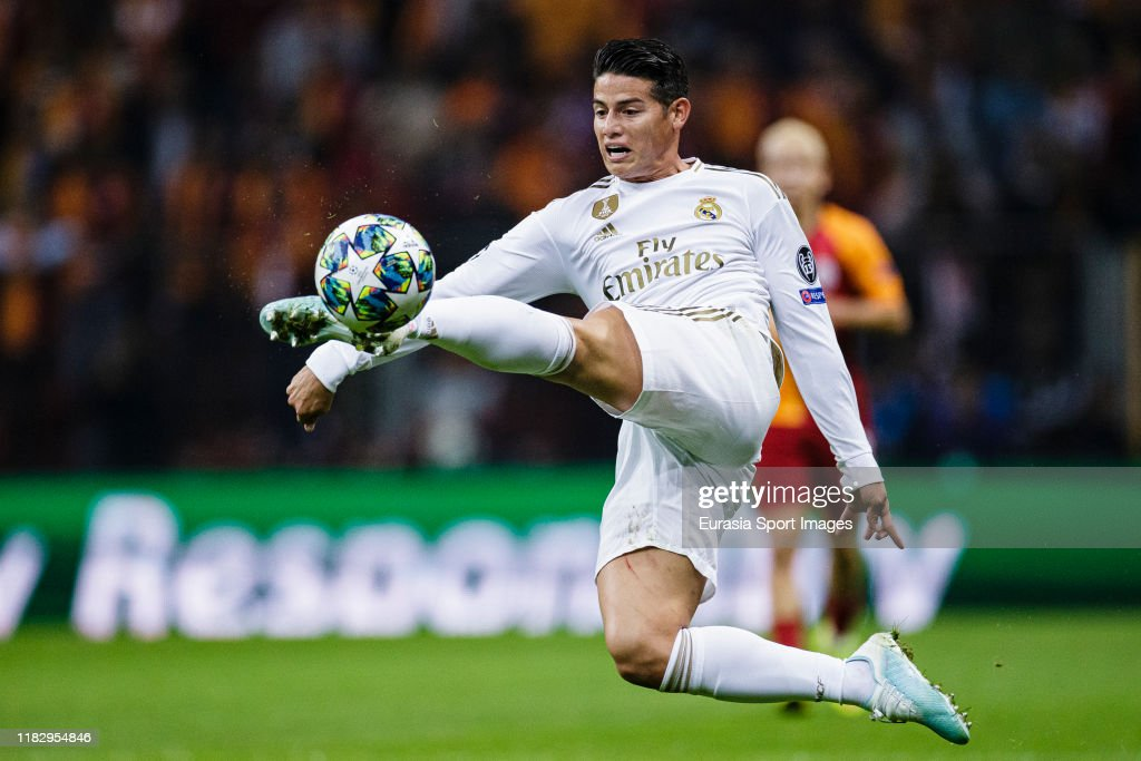 Galatasaray v Real Madrid: Group A - UEFA Champions League : News Photo
