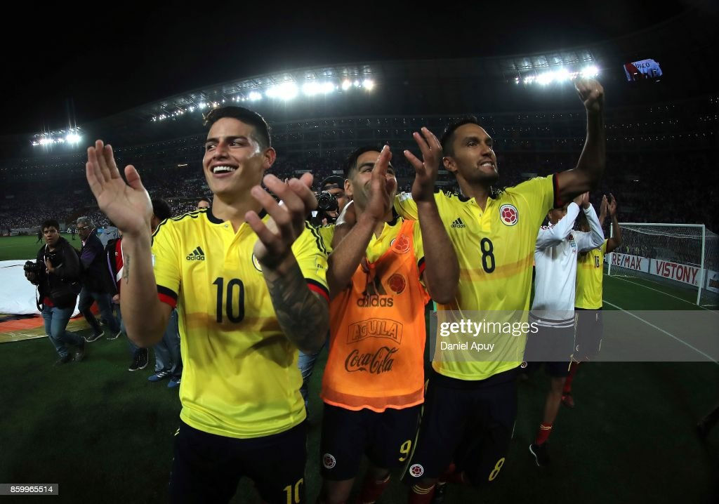 Peru v Colombia - FIFA 2018 World Cup Qualifiers : Fotografia de notícias