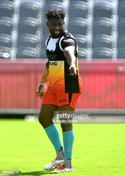 James Segeyaro directs his team mate during a PNG Rugby League World Cup captain's run at the Oil Search National Football Stadium on October 27 2017...