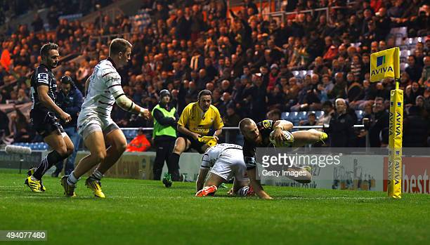 James Short of Exeter Chiefs scores a try during the Aviva Premiership Match at Sandy Park on October 24 2015 in Exeter England
