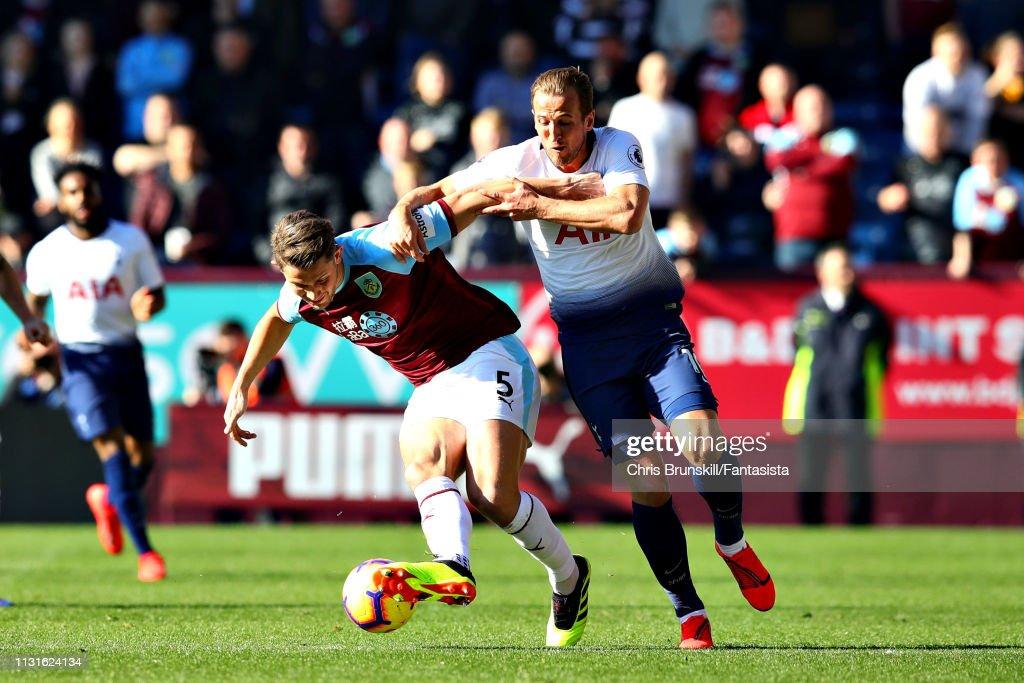 Burnley FC v Tottenham Hotspur - Premier League : Nieuwsfoto's