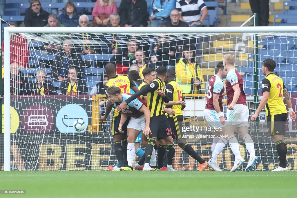 James Tarkowski of Burnley scores a goal to make it 1-1 during the Premier League match between Burnley FC and Watford FC at Turf Moor on August 19, 2018 in Burnley, United Kingdom.