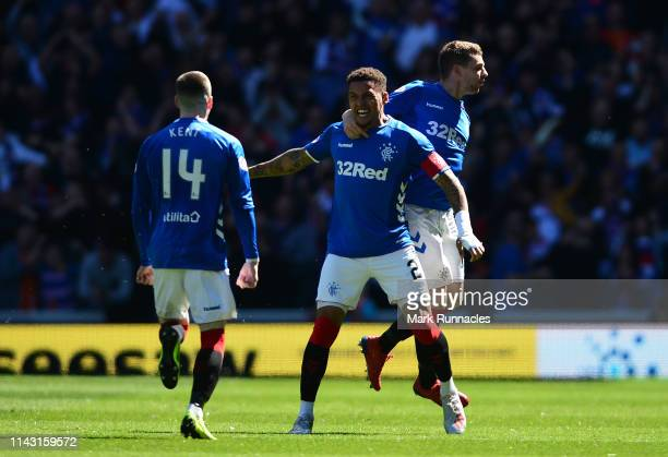 James Tavernier of Rangers celebrates scoring the opening goal of the game with his team mates during the Ladbrokes Scottish Premiership match...