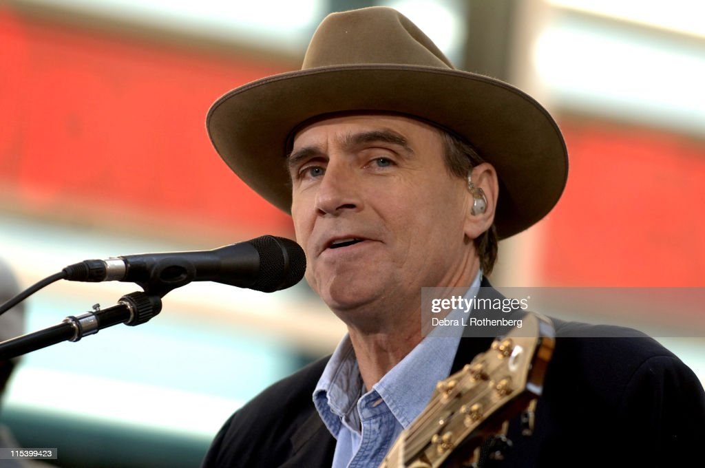 James Taylor Performs on the 2005 ''Today'' Show Summer Concert Series : News Photo