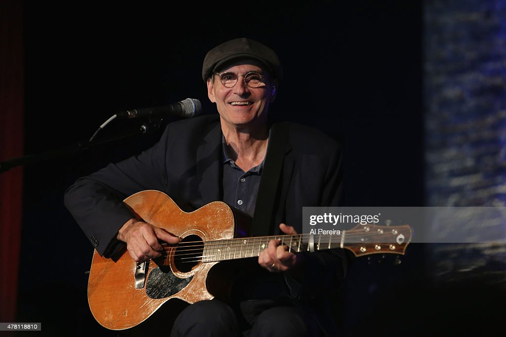 James Taylor Performs On WCBS Radio