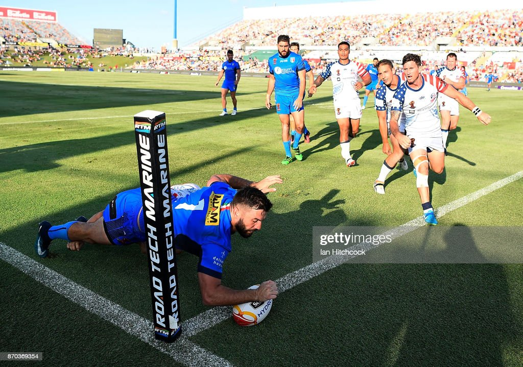 James Tedesco of Italy scores a try during the 2017 Rugby League World Cup match between Italy and the USA at 1300SMILES Stadium on November 5, 2017 in Townsville, Australia.