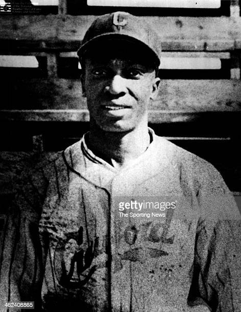 """James Thomas """"Cool Papa"""" Bell of the Pittsburgh Crawfords of the Negro Baseball League looks on circa 1934 in Pittsburgh, Pennsylvania."""