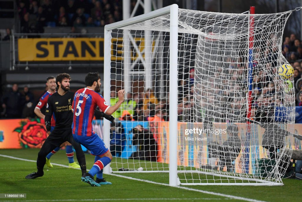 Crystal Palace v Liverpool FC - Premier League : Foto jornalística
