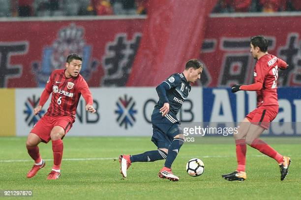 James Troisi of Melbourne Victory in action during the 2018 AFC Champions League Group F match between Shanghai SIPG and Melbourne Victory at...