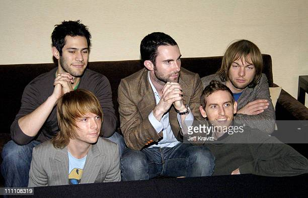 James Valentine Ryan Dusick Adam Levine Mickey Madden and Jesse Carmichael of Maroon 5