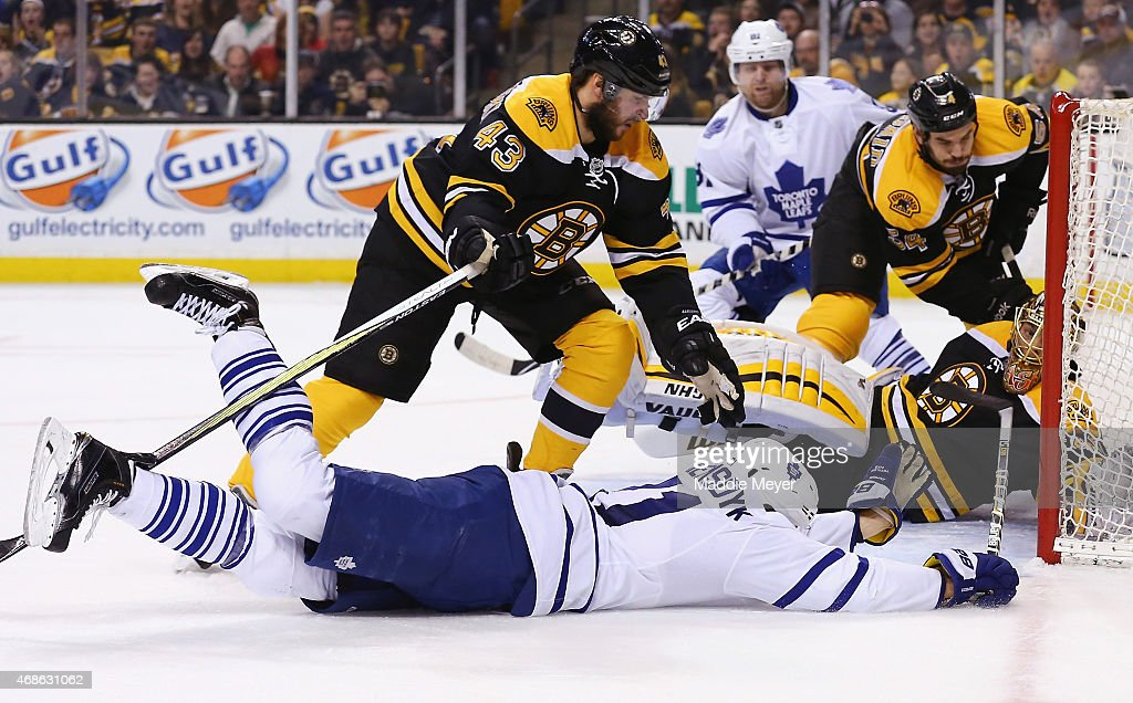 James van Riemsdyk #21 of the Toronto Maple Leafs scoes against Tuukka Rask #40 of the Boston Bruins during the second period at TD Garden on April 4, 2015 in Boston, Massachusetts.