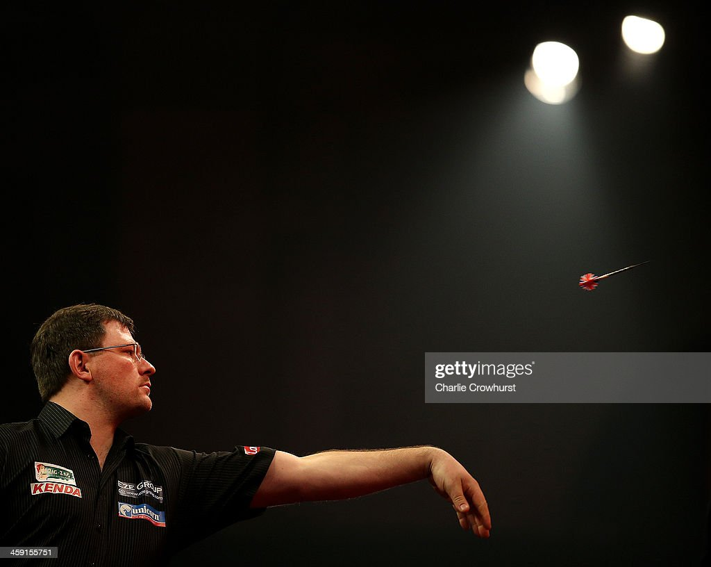 2014 Ladbrokes.com World Darts Championship - Day Eleven