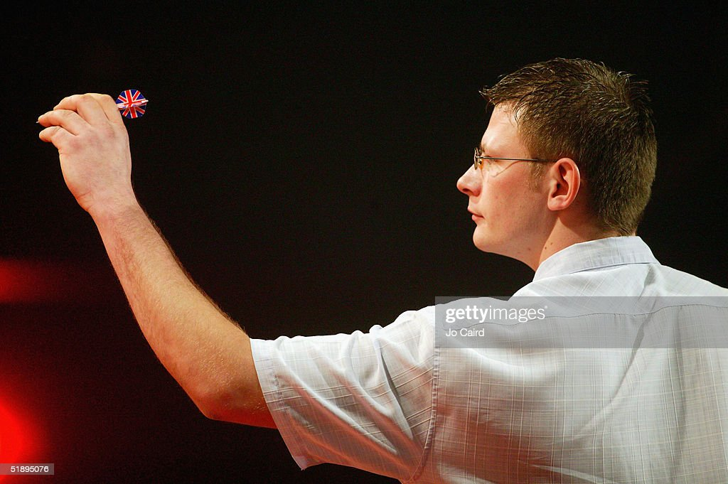 2005 Ladbrokes.com World Darts Championships : News Photo