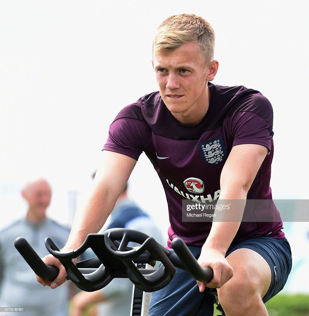 England U21 Training Session : News Photo