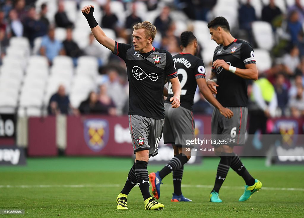 James Ward-Prowse of Southampton (L) celebrates as he scores their third goal during the Premier League match between West Ham United and Southampton at London Stadium on September 25, 2016 in London, England.
