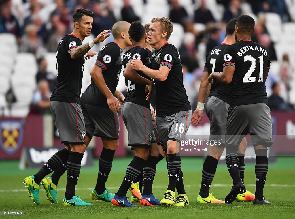 West Ham United v Southampton - Premier League : News Photo