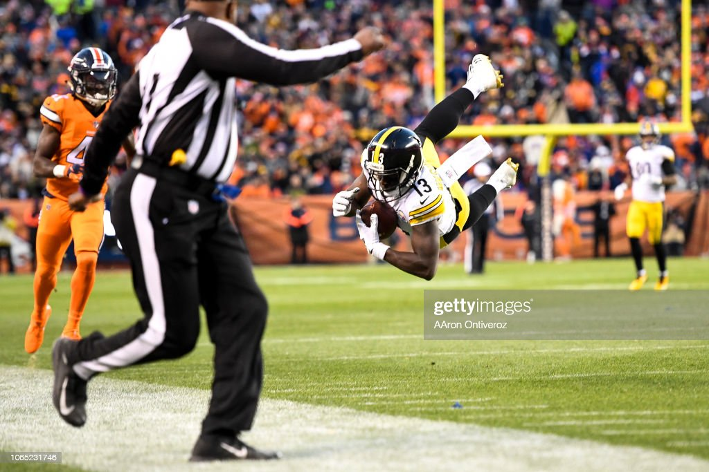 Denver Broncos vs. the Pittsburgh Steelers, NFL : News Photo