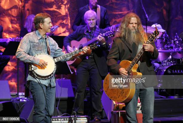 Jamey Johnson performs onstage at the Country Music Hall of Fame and Museum Medallion Ceremony to celebrate 2017 hall of fame inductees Alan Jackson...