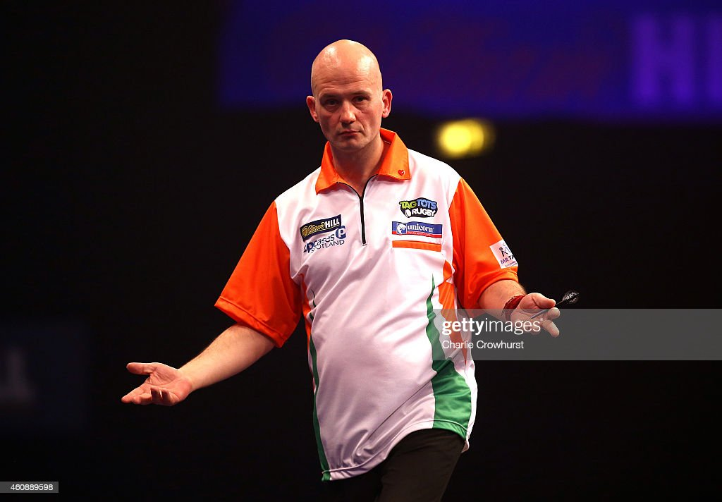 2015 William Hill PDC World Darts Championships - Day Nine : News Photo