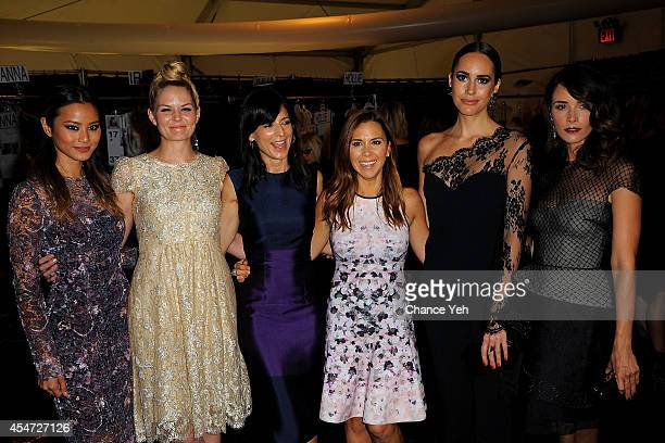 Jamie Chung Jennifer Morrison Perry Reeves designer Monique Lhuillier Louise Roe and Abigail Spencer backstage at Monique Lhuillier with Yappn Corp...