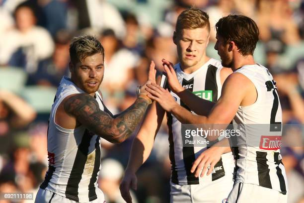 Jamie Elliott of the Magpies celebrates a goal during the round 11 AFL match between the Fremantle Dockers and the Collingwood Magpies at Domain...